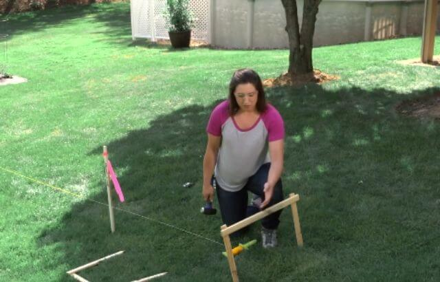 how to build a wood and wire fence