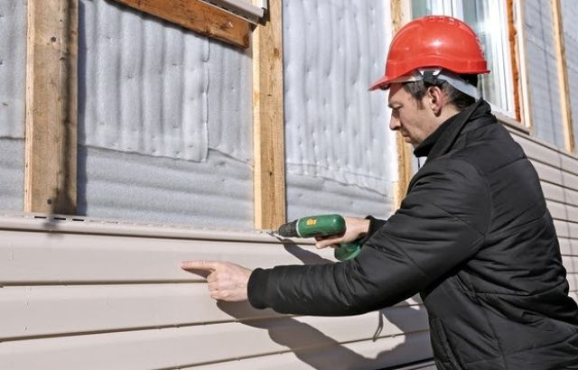 how to remove oil based stain from vinyl siding