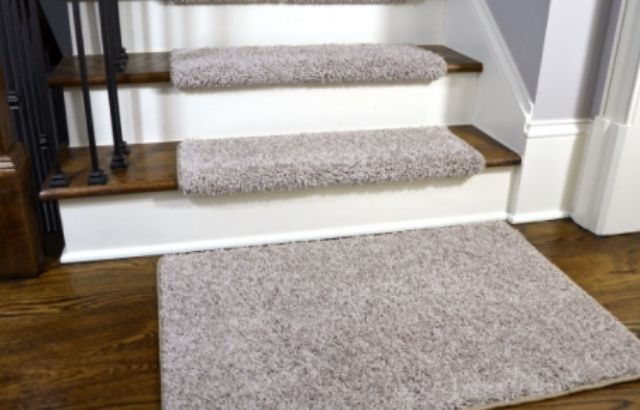 Non slip coating for wood stairs