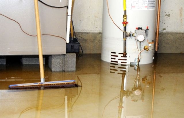 how to get water out of basement without a pump