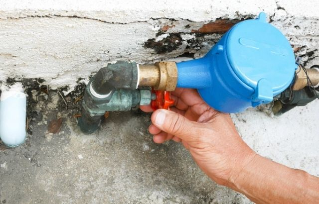How Can I Turn Off The Home's Water Supply