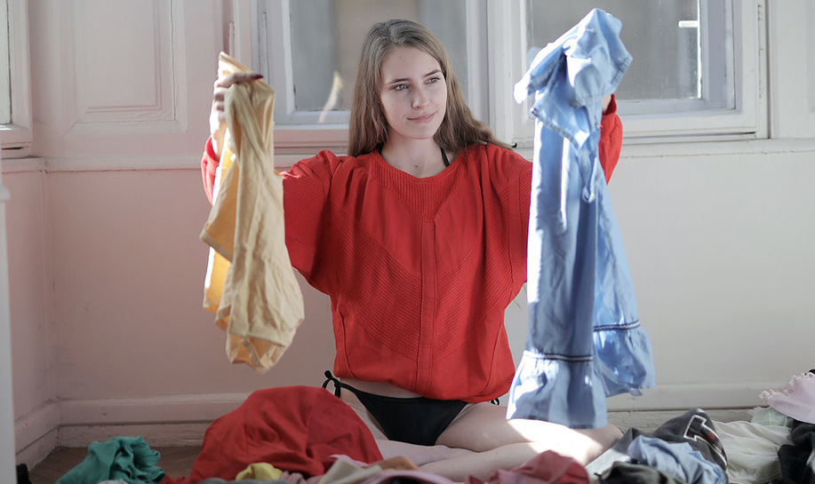 Tag Clothes for Laundry Business